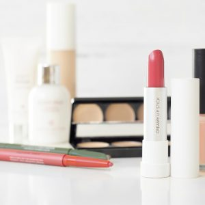 Divine.ca – Win a basket full of Beauty Products