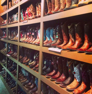 Lammle's – Win a pair of boots