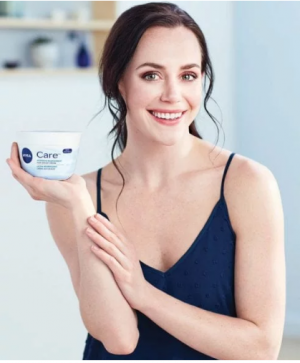The Kit – Win a skin care prize pack