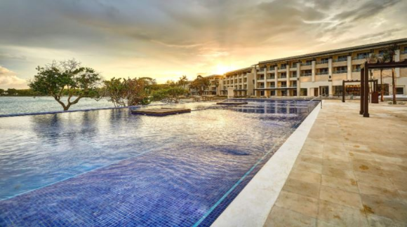 Sunwing Vacations Orange Friday  – Win an all inclusive vacation to Royalton Negril Resort and Spa in Jamaica