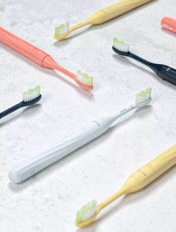 BlogTO – Win four Philips One toothbrushes and $500 to The June Motel
