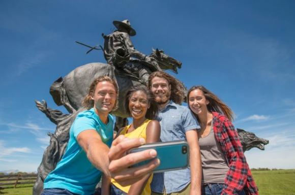 Historic Places Days Selfie  – Win $1,000 cash